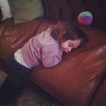 5 isadora endormie en prenant la balle